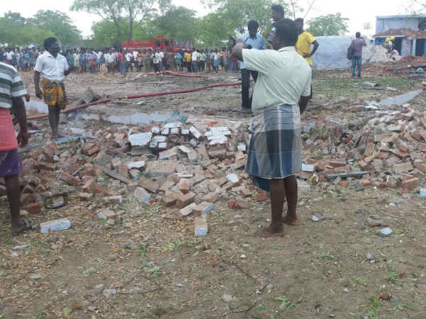 In Sivakasi Thiruthangal crackers factory accident happened