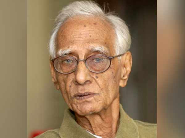 எழுத்தாளர், உறவினர்கள் சூழ பெசண்ட் நகர் மின்மயானத்தில் அசோகமித்ரன் உடல் தகனம்