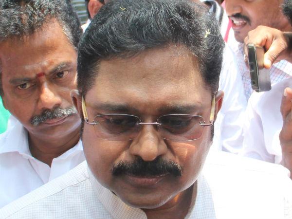 தினகரன் ஆஜர்
