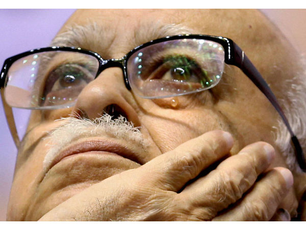 Sc order to blow Advani
