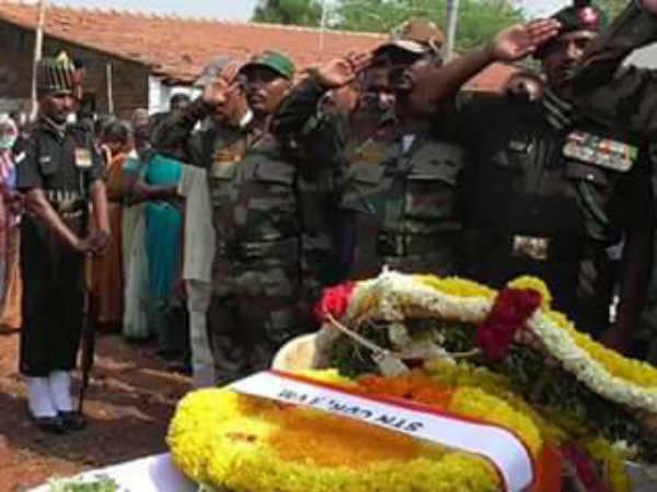 வீரமரணமடைந்த  4 சிஆர்பிஎஃப் வீரர்கள் உடல்கள் தமிழகம் கொண்டுவரப்பட்டன!