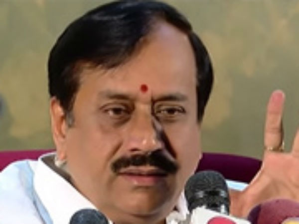 TTV Dinakaran will give company to Sasikala in jail: H.Raja