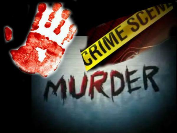 Near in Ulundurpet a wife kills husband for not living together