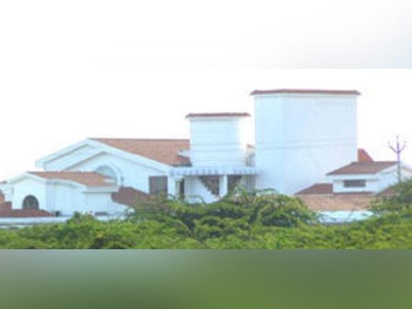 Fire outside Jayalalithaa's Siruthavur home