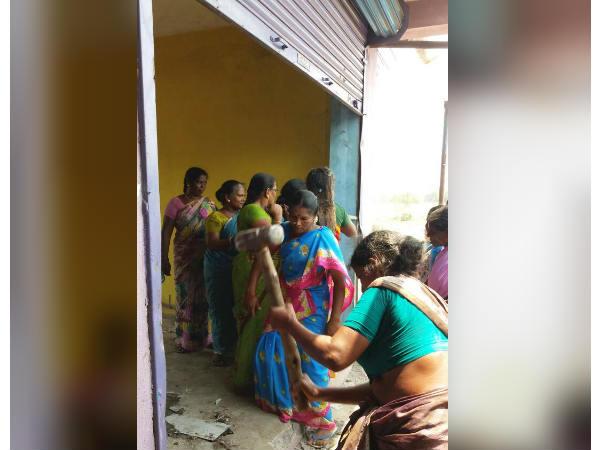 கடலூர் அருகே டாஸ்மாக் கடையை துவம்சம் செய்த பெண்கள்!