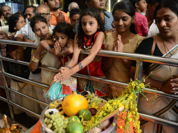 Tamil New year : People prayers on Murugan Temple