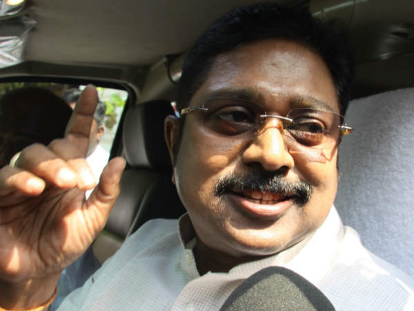 Delhi court extends TTV dinakaran's custody upto May 29
