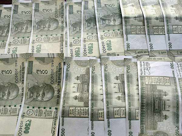 Two Youths held with fake currency in Chennai