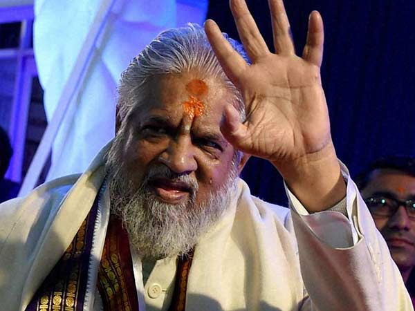 ராஜிவ் கொலை வழக்கில் சர்ச்சைக்குள்ளான சாமியார் சந்திரசாமி காலமானார்
