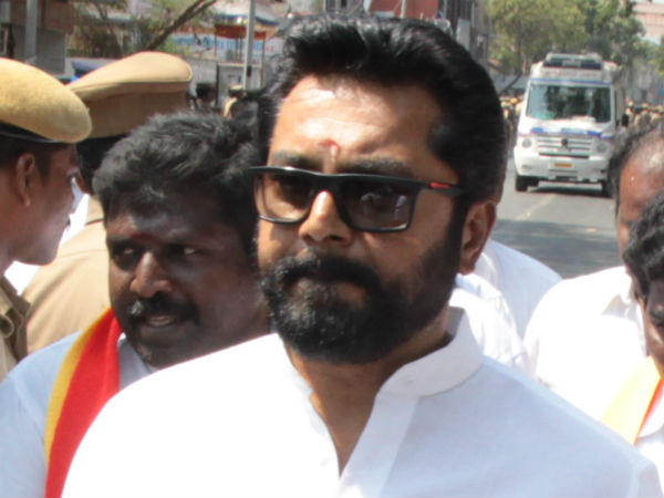 Actor and all india samathuva makkal katchi leader Sarathkumar appeared before IT office at Chennai