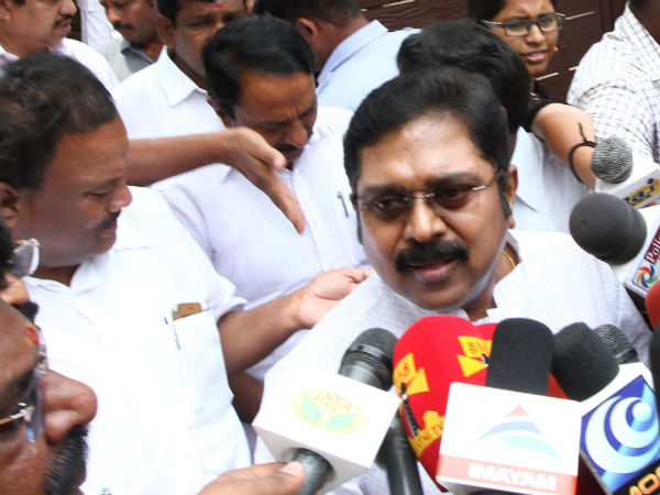 EC bribe case : TTV dinakaran granted bail