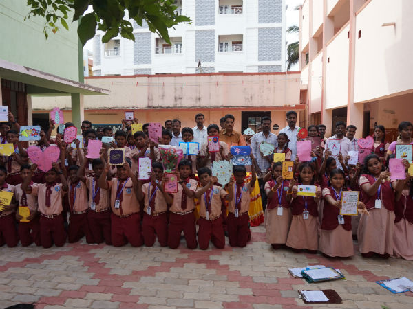 Students honor their father in Karaikudi school