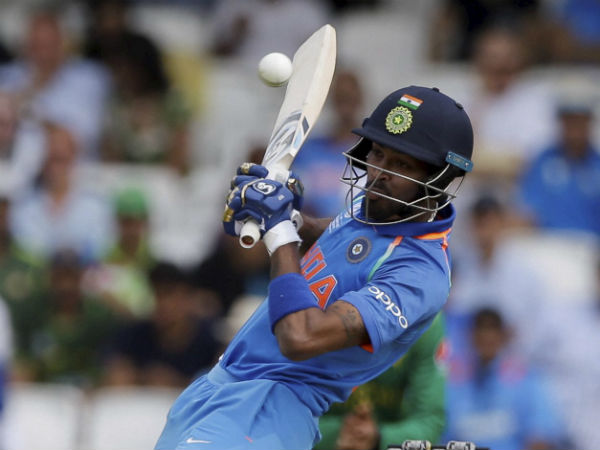 Pandya brings up his fifty in style