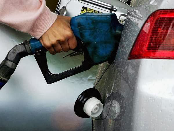 Petrol price cut by 26 paises and diesel price by 18 paises