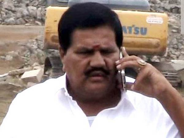 Kanakaraj MLA says, gold and money were promised at the time of trust vote