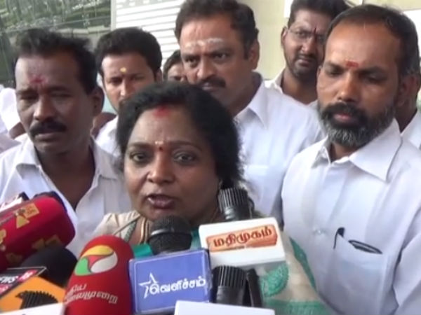 Tamilisai demands Sushma to ask reply from Malaysia why ban for Vaiko