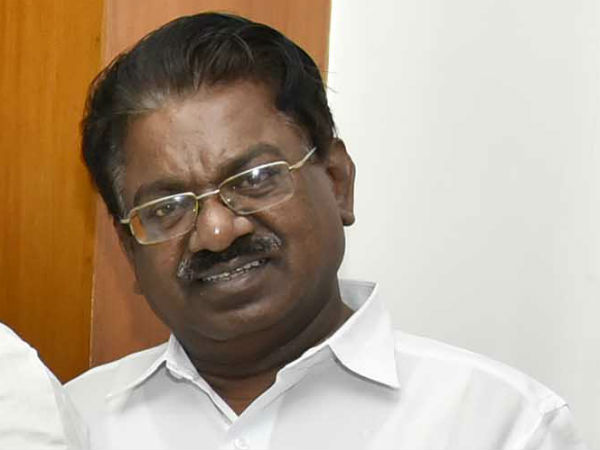 Admk afraid of raids and supports Bjp candidate told Tks Elangovan