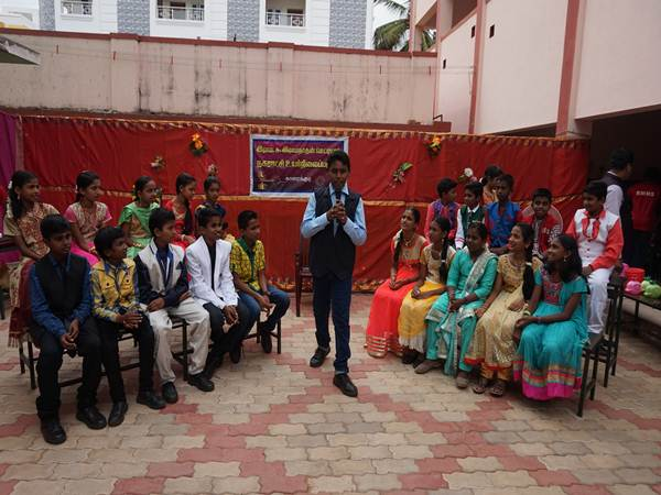 students Neeya Naana program at karaikudi school