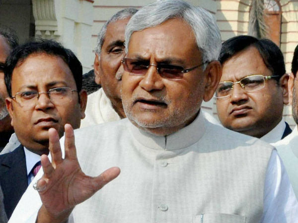 Nitish Kumar attacks Lalu in assembly