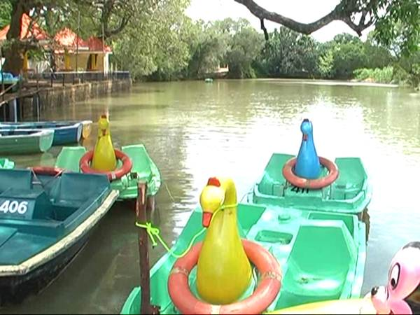boat ride begins on in courtallam