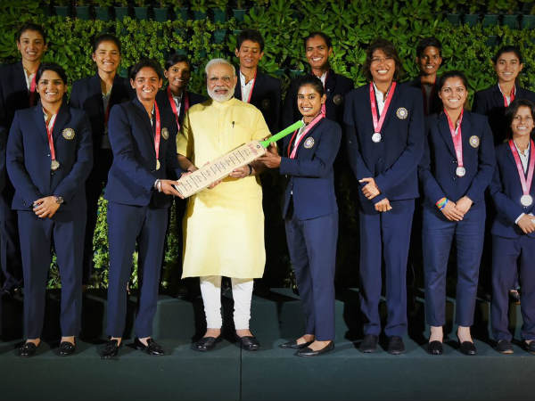 PM Modi hosts women's cricket team
