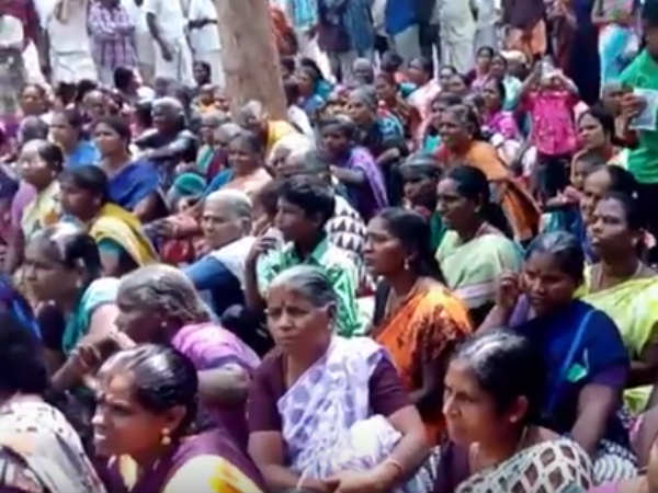 Women in Kathiramangalam boycott LPG gas and cooking in fire wood