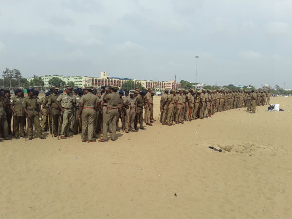 In Chennai marina huge number of police deployed