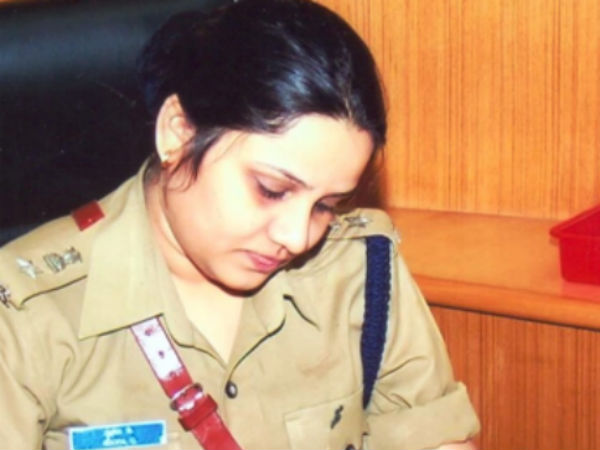 DIG Roopa transferred: Congress gave explanation