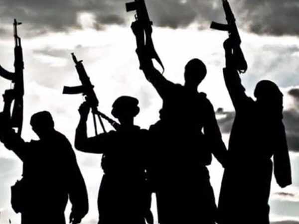 ஆப்கானிஸ்தான் ராணுவ முகாம் மீது தாலிபன்கள் தாக்குதல்: 26 வீரர்கள் உடல் சிதறி பலி!