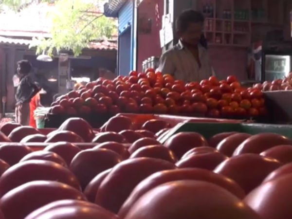In whole Tamilnadu tomato price hiked like anything