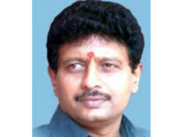 40 எம்.எல்.ஏக்கள் ஆதரவு எங்களுக்கு இருக்கிறது... திவாகரன் 'பொளேர்'