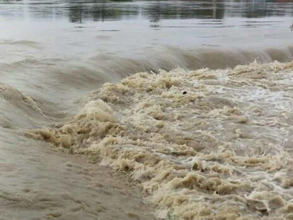 தென்பெண்ணையாற்றில் வெள்ளம்- கிருஷ்ணகிரி உட்பட 5 மாவட்டங்களுக்கு அபாய எச்சரிக்கை!