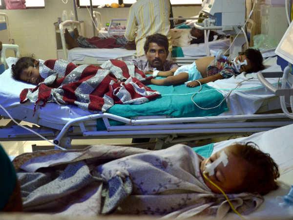ஆக்சிஜன் பற்றாக்குறையால் 70 குழந்தைகள் பலி.. உபி அரசுக்கு அலகாபாத் ஹைகோர்ட் நோட்டீஸ்