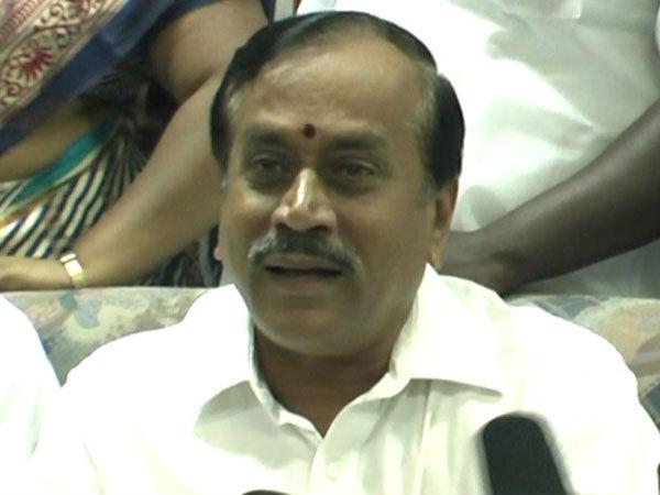 அட.. நீட் விலக்கு இல்லை என்பதில்தான் இந்த ராஜாவுக்கு எம்புட்டு சந்தோஷம் பாருங்களேன்!