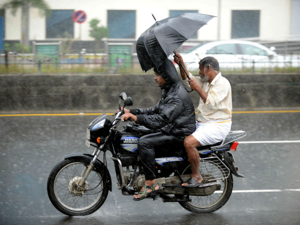 Rain lashes in many parts of Chennai city