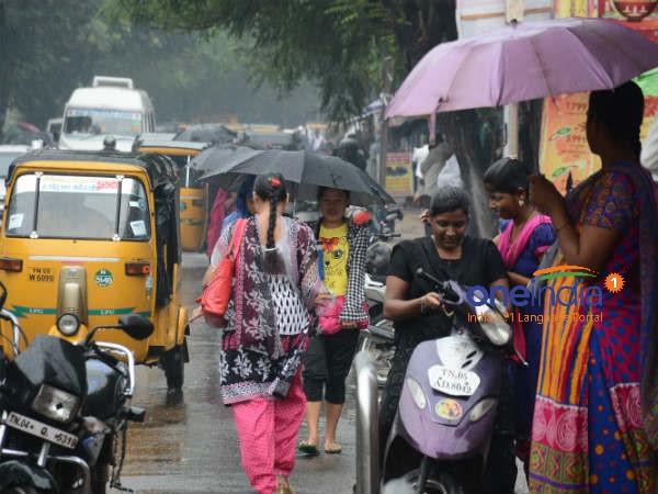 சென்னையில் இடி மின்னலுடன் கனமழை.. மாலை மழையால் மக்கள் மகிழ்ச்சி