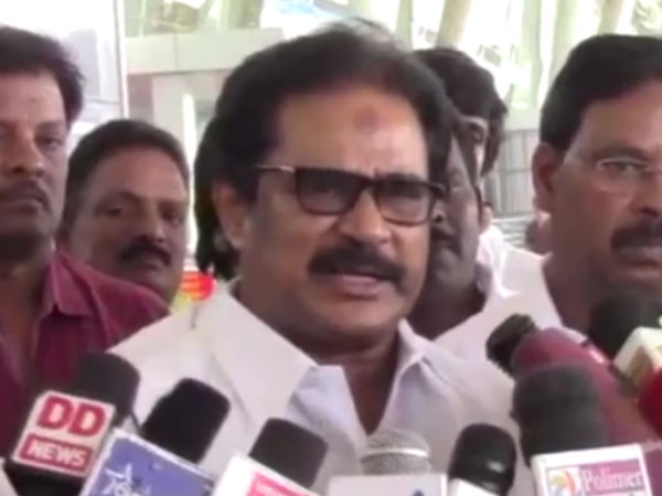 BJP only Split the ADMK as 3 parts : Thirunavukarasar
