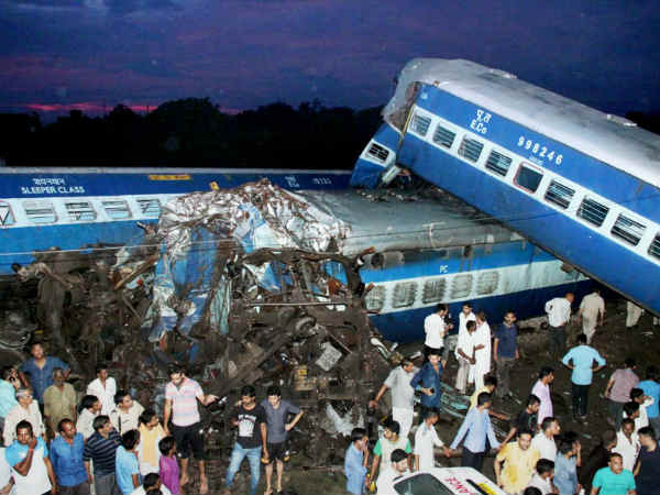Train coaches derailed near Muzaffarnagar in Uttarpradesh