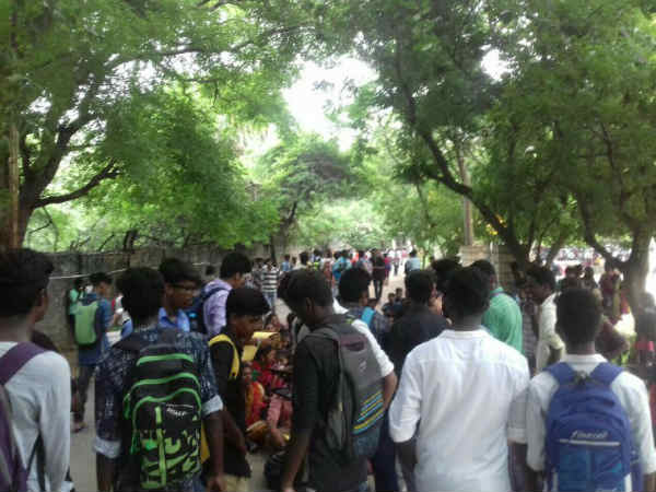 Students go for Rally in Trichy to demand justice for Anitha
