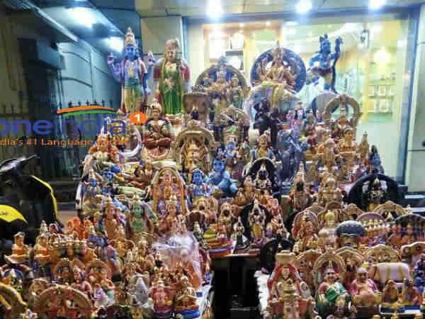 நவராத்திரி 2017 : கொலு பூஜைகள், ஆயுத பூஜை, விஜயதசமி பூஜைக்கு நல்ல நேரங்கள்