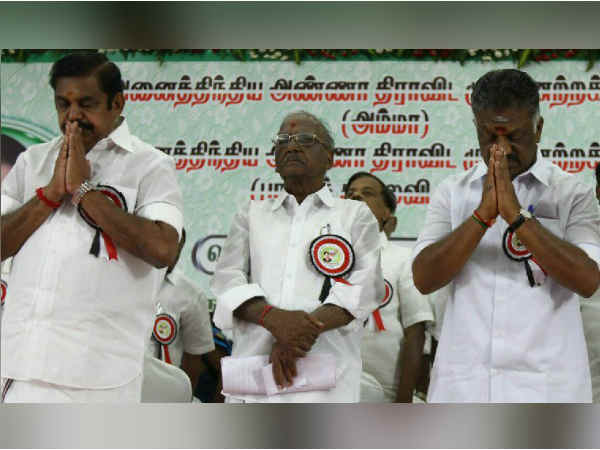 Rights for General Secretary in ADMK will be given to new organisers OPS and EPS