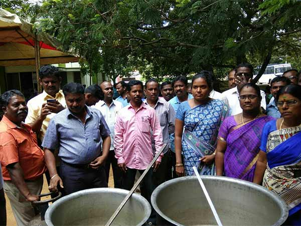 Tamil Nadu govt staff stage protest arrested