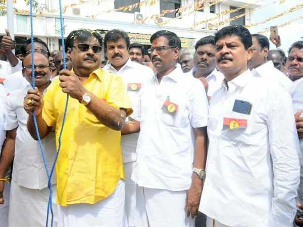 Vijayakant wishes cadres on his party's 13th anniversary