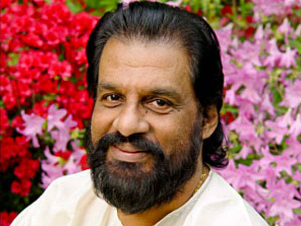 Yesudas applies for permission to pray at Padmanabha Swamy temple