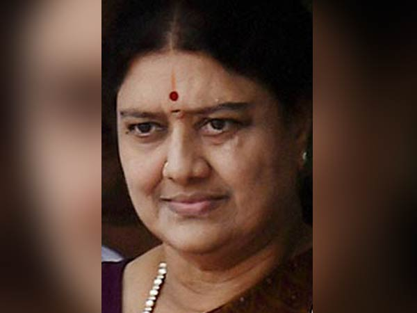 #Sasikala should be back in Jail on October 12, 2017 by 6pm!