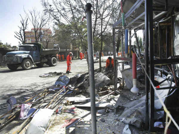 Taliban suicide bombers and gunmen attacked in Afghanistan kills 32