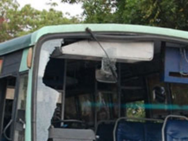 Stone pelted on Government bus near Thiruthani by School students