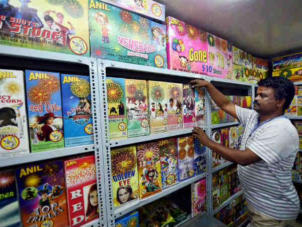 Bombay HC upholds ban on sale of firecrackers in residential areas