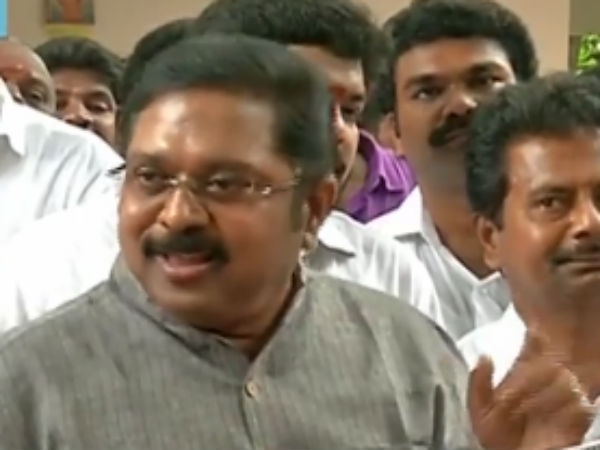 TTV Dinakaran paid Floral tributes to Maruthu brothers