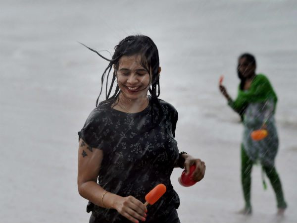 Oneindia Tamil Readers experience with Rain